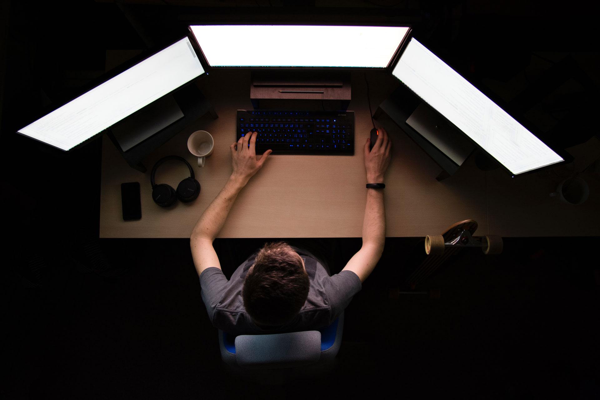 programmeur bureau ecran